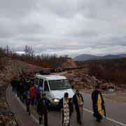 Кренула 50 км литија из манастира Косијерево према Никшићу (ВИДЕО)