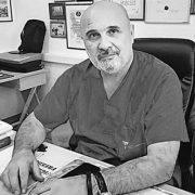 Од посљедица корона вируса преминуо доктор Миодраг Лазић, ратни хирург војске Републике Српске
