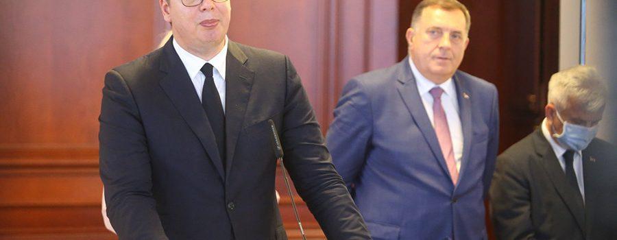Вучић: Србија ће саградити аеродром између Требиња, Билеће и Гацка