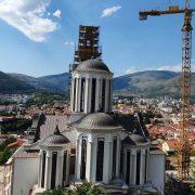 Православац, католик и муслиман донирали сатове Саборној цркви у Мостару
