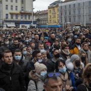 Опсада Руске амбасаде у Загребу. Хоће руску вакцину