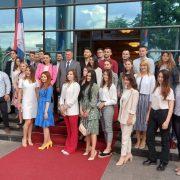 Студенти генерације награђени – посао у републичким институцијама